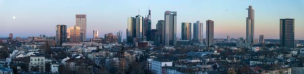 全景「Commerzbank And Deutsche Bank To Possibly Merge」:写真・画像(8)[壁紙.com]