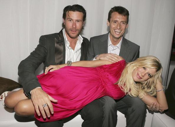 Hot Pink「US Weekly Hot Hollywood Awards - Inside」:写真・画像(9)[壁紙.com]