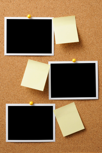 Adhesive Note「Blank Polaroid with yellow sticky note pinned on cork board」:スマホ壁紙(1)