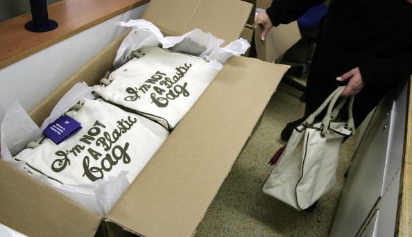 "Sainsburys「Sainsbury's Customers Buy Up Designer ""I'm Not A Plastic Bag""」:写真・画像(15)[壁紙.com]"