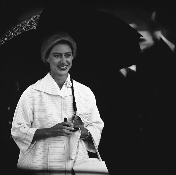 Umbrella「Princess Margaret Arrives In England」:写真・画像(0)[壁紙.com]
