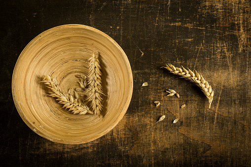 Bowl「Wheat ears and grains on wooden bowl and wood」:スマホ壁紙(12)