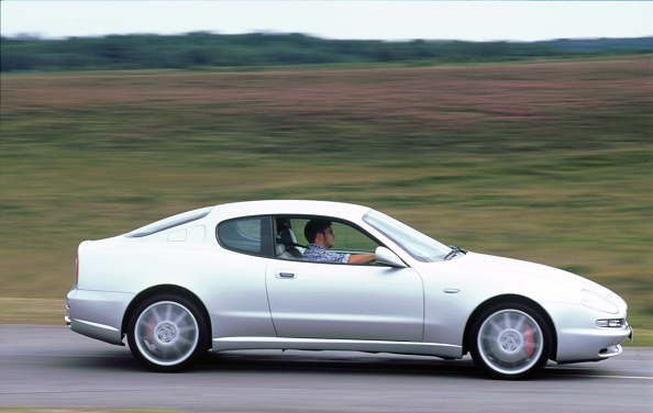Profile View「2000 Maserati 3200 GT」:写真・画像(0)[壁紙.com]