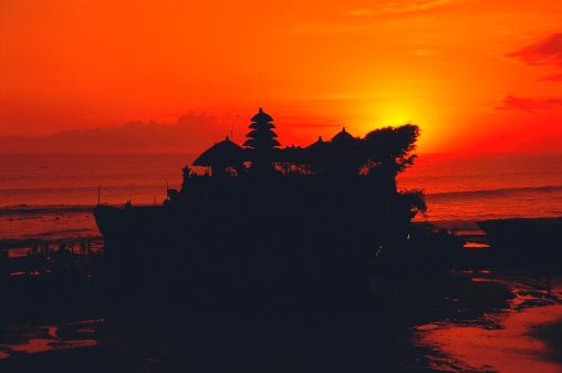 タナロット「タナーロット寺院バリの夕暮れ時には、インドネシア」:スマホ壁紙(3)