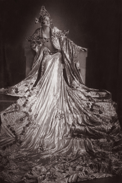 "Opera Singer「The opera singer Maria Jeritza as Turandot in the opera ""Turandot"" by Giacomo Puccini. Vienna. Photograph. 1926.」:写真・画像(5)[壁紙.com]"