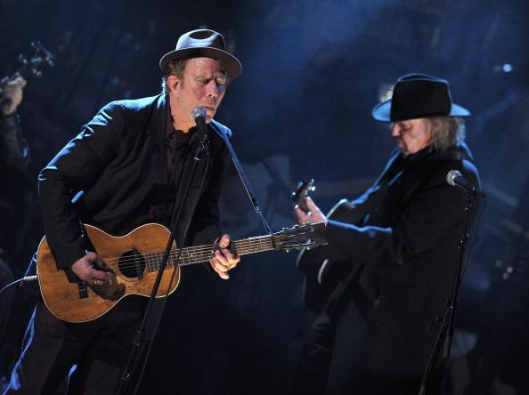 トム ウェイツ「26th Annual Rock And Roll Hall Of Fame Induction Ceremony - Show」:写真・画像(9)[壁紙.com]