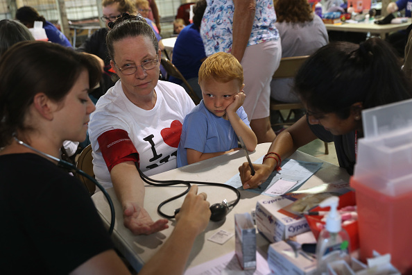 Social Services「Appalachia Residents See Doctors For Health And Dental Care At Largest Free Clinic In U.S.」:写真・画像(8)[壁紙.com]