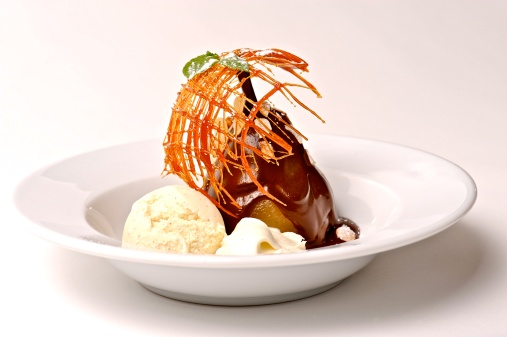 Poached Food「Poached Pear With Chocolate and Vanilla Ice Cream」:スマホ壁紙(2)