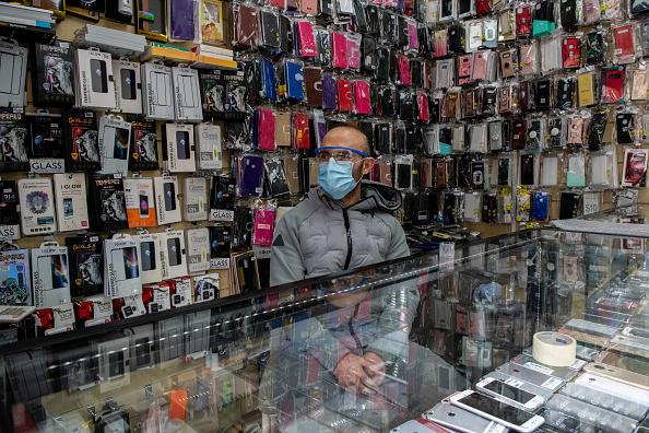Topics「Life In The London Borough Of Lewisham Amid Coronavirus Pandemic」:写真・画像(8)[壁紙.com]