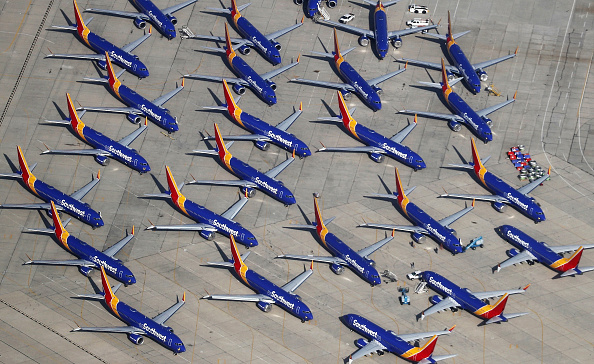 Transportation「Southwest Parks Grounded Boeing 737 MAX Planes At Remote California Airport」:写真・画像(5)[壁紙.com]