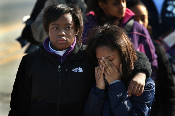 Scott Olson「Funeral Held For Teen Girl Killed At Chicago Playground」:写真・画像(15)[壁紙.com]