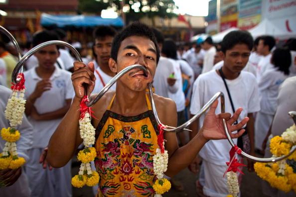 Place of Worship「Devotees Mutilate Themselves At Phuket Vegetarian Festival」:写真・画像(10)[壁紙.com]