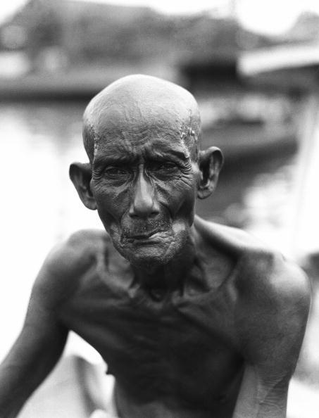 Exoticism「Emaciated elderly man」:写真・画像(18)[壁紙.com]
