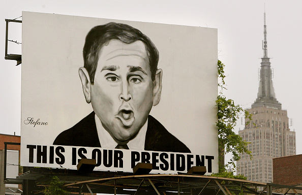 Empire State Building「Anti-Bush Billboard In New York」:写真・画像(15)[壁紙.com]