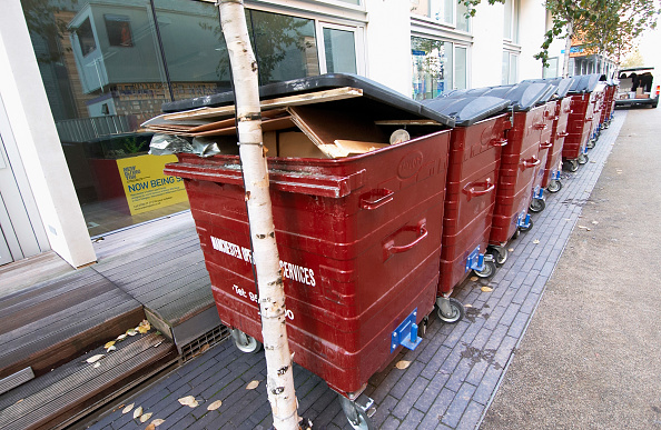 Recycling「Refuse bins lined up in a pedestrian area」:写真・画像(11)[壁紙.com]