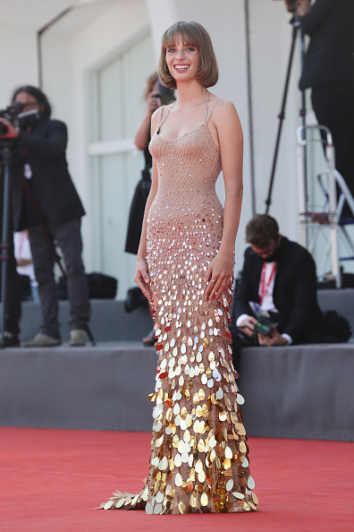 "Venice International Film Festival「""Mainstream"" Red Carpet - The 77th Venice Film Festival」:写真・画像(18)[壁紙.com]"