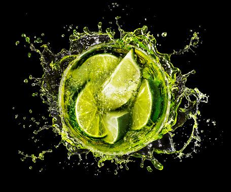 Refreshment「Lime Splash into Cocktail glass」:スマホ壁紙(12)