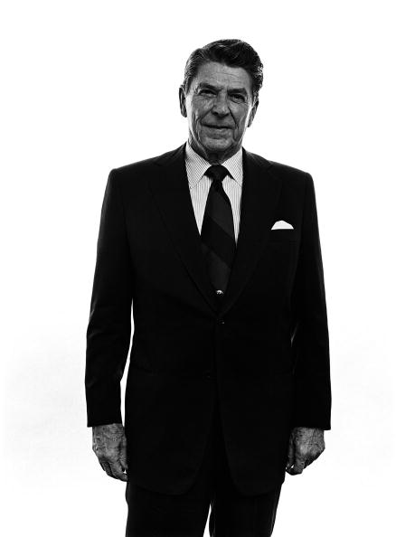 Looking At Camera「1980 Presidential Campaign - Ronald Reagan Portrait Session」:写真・画像(6)[壁紙.com]