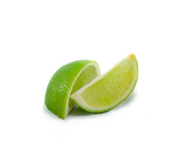 Lime wedges on white:スマホ壁紙(壁紙.com)