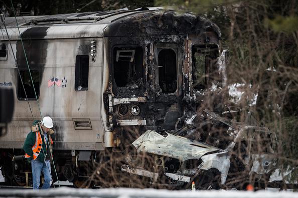 Transportation Event「Metro-North Commuter Train Collides With Vehicle Killing Six」:写真・画像(16)[壁紙.com]