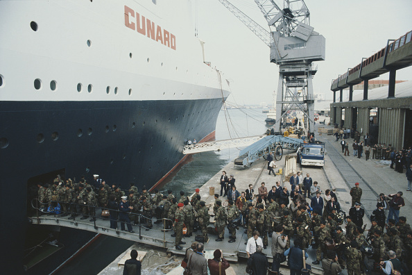 Passenger Craft「Troops Leave For Falkands War And South Georgia」:写真・画像(14)[壁紙.com]