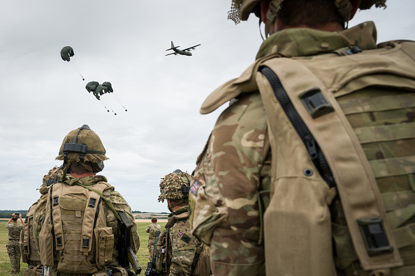 Military Airplane「British Armed Forces Task Group Prepares To Join UN Peacekeeping Force In Mali」:写真・画像(15)[壁紙.com]