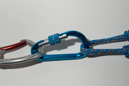エクストリームスポーツ「rope tied to a carabiner」:スマホ壁紙(17)