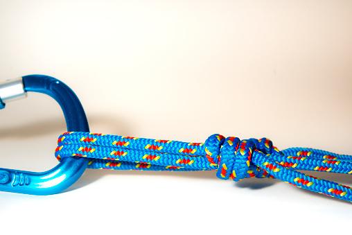 エクストリームスポーツ「rope tied to a carabiner」:スマホ壁紙(15)