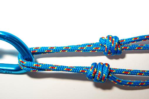 エクストリームスポーツ「rope tied to a carabiner」:スマホ壁紙(16)