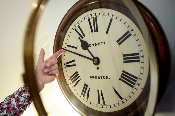 Clock「The Clocks Go Forward As Europe Changes To Summer Time」:写真・画像(0)[壁紙.com]
