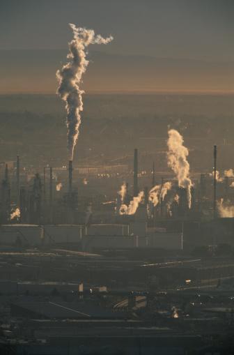 Emitting「Pollution Rising from Factories in Ciudad Juarez」:スマホ壁紙(11)