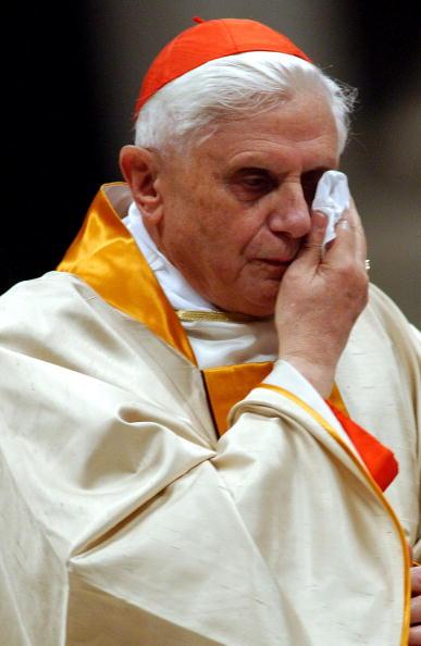 Replacement「Easter Vigil Is Held In The Vatican Basilica」:写真・画像(6)[壁紙.com]