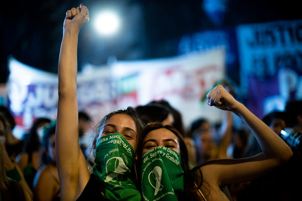 Argentina「Lower House Votes Bill to Legalize Abortion in Argentina」:写真・画像(19)[壁紙.com]