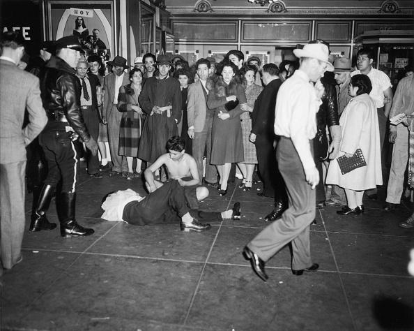 Caucasian Ethnicity「Zoot Suit Riots」:写真・画像(5)[壁紙.com]