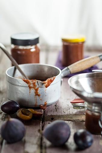 Plum「Casserolle of plum fig jam」:スマホ壁紙(7)