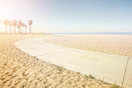 USA「winding path on beach」:スマホ壁紙(3)