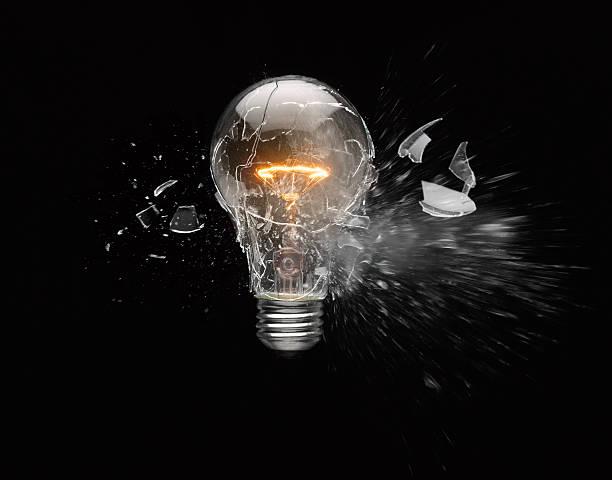 Light bulb exploding:スマホ壁紙(壁紙.com)
