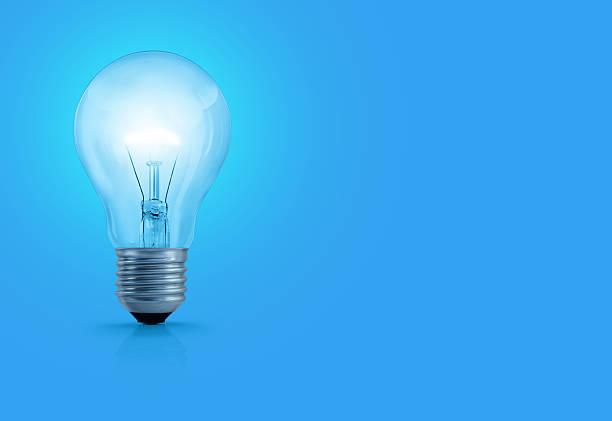 Light Bulb On Blue Background:スマホ壁紙(壁紙.com)