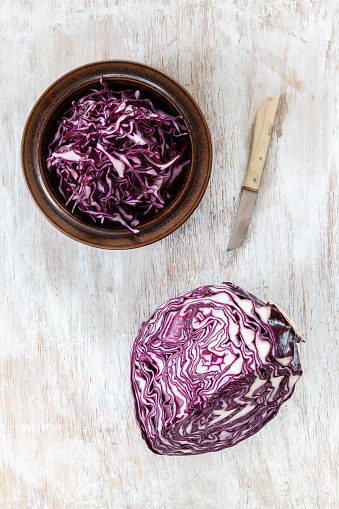 Red Cabbage「Bowl of grated red cabbage, kitchen knife and piece of red cabbage」:スマホ壁紙(12)