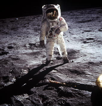 Space Mission「30th Anniversary of Apollo 11 Moon Mission」:写真・画像(9)[壁紙.com]