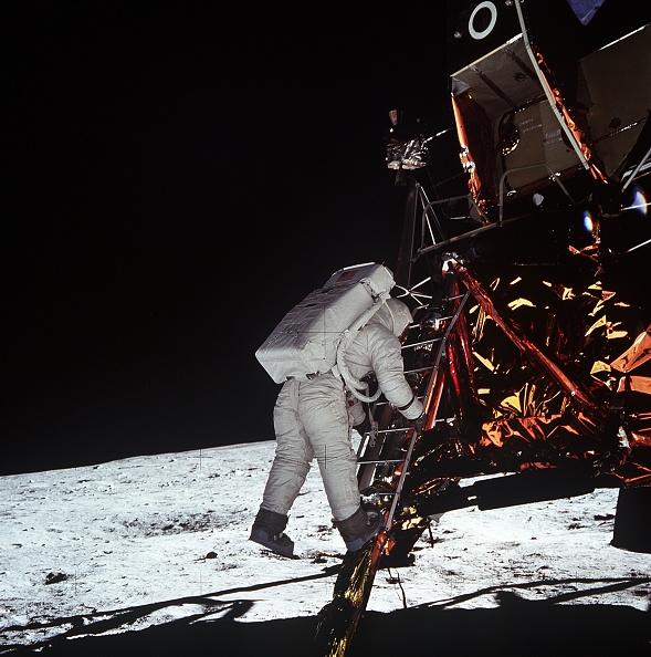 Lunar Module「30th Anniversary of Apollo 11 Moon Mission」:写真・画像(3)[壁紙.com]