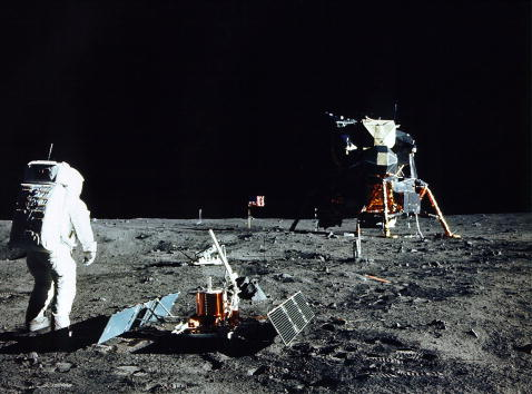 月「30th Anniversary of Apollo 11 Moon Mission」:写真・画像(1)[壁紙.com]