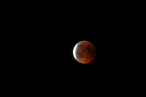 皆既月食「Germany, blood moon」:スマホ壁紙(15)