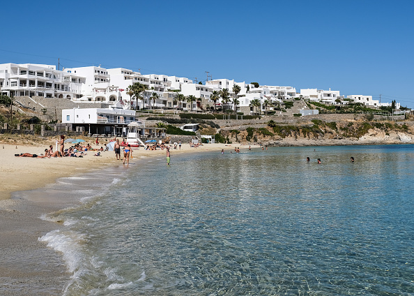 Greek Islands「Mykonos Hopes To Save Its Tourist Season As Greece Eases Travel Restrictions」:写真・画像(2)[壁紙.com]