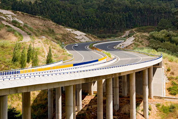 Road Marking「Viaduct, Highway, Portugal」:写真・画像(6)[壁紙.com]