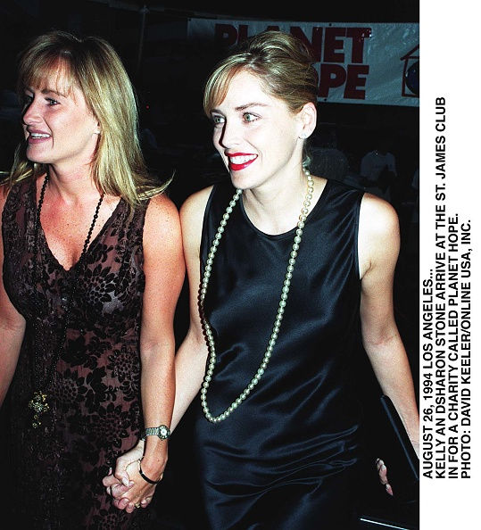 David Keeler「Sharon Stone And Her Sister Kelly」:写真・画像(13)[壁紙.com]