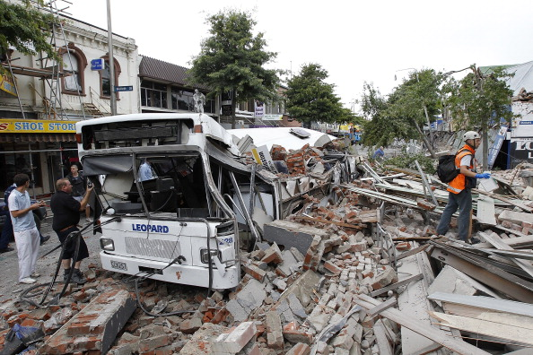 Bus「6.3 Magnitude Earthquake Rocks Christchurch」:写真・画像(6)[壁紙.com]