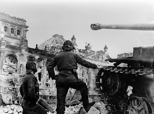 Soviet Military「Reichstag Captured」:写真・画像(16)[壁紙.com]