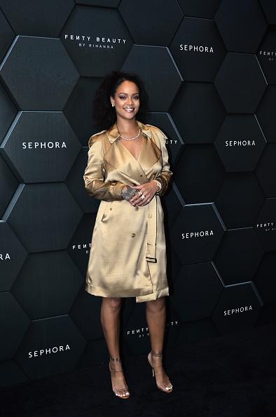 Coat - Garment「Fenty Beauty Artistry and Beauty Talk with Rihanna」:写真・画像(0)[壁紙.com]