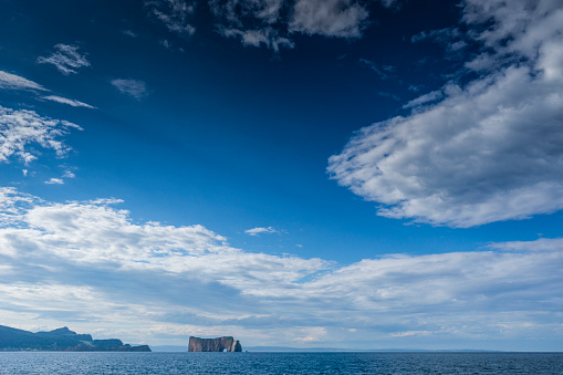 Wave「有名なイブロシェ ペルセ (ペルセ岩)、カナダ ケベック州のガスペ半島の一部を見てみる。」:スマホ壁紙(18)